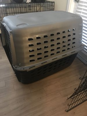 """40"""" L X 26"""" W X 30"""" H, Large black and brown dog kennel for Sale in Annandale, VA"""