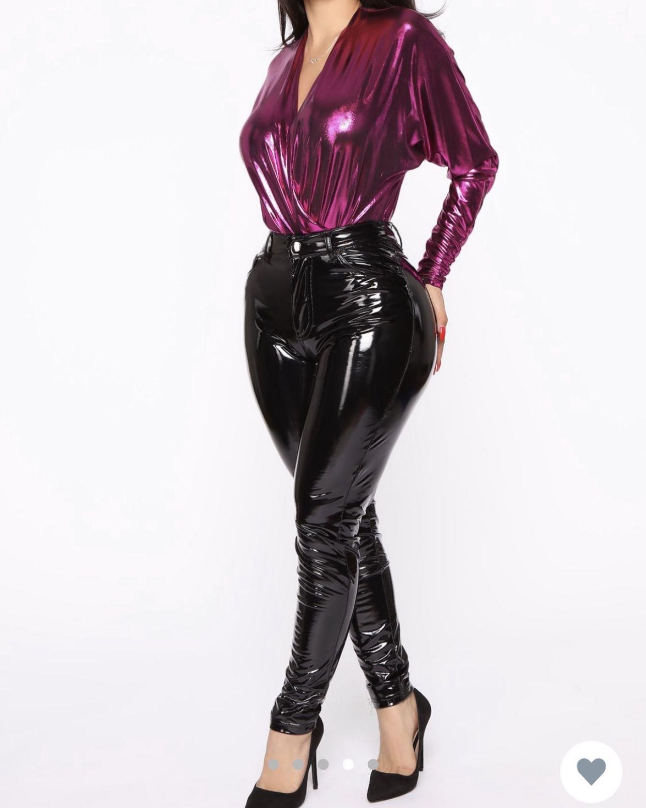 Fashion Nova Beautiful Bodysuit Color- Fuchsia