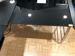 L shape desk for Sale in Germantown, MD