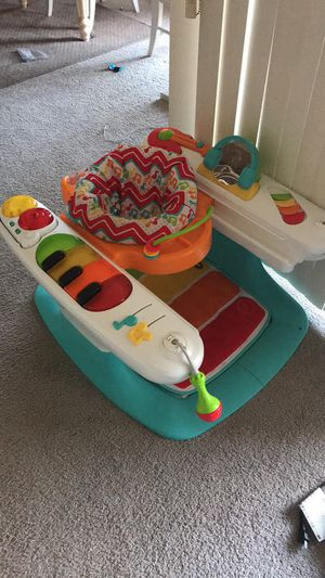 Piano key baby seat for Sale in Frederick, MD