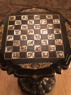 Beautiful Victorian papier-mâché in-laid mother of pearl side table for Sale in Silver Spring, MD
