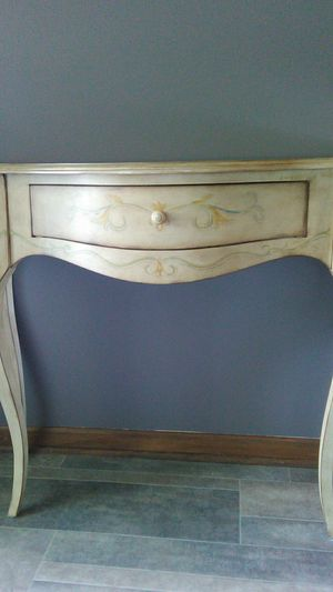 Console table/Entry table for Sale in Massillon, OH