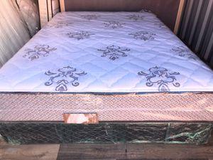 Photo Serta Queen Firm mattress !