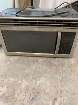 Kenmore microwave free for Sale in Auburn, WA
