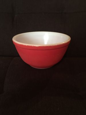 Vintage Red Pyrex Mixing Bowl—Primary Colors Collection—Unnumbered from 1940s for Sale in Vienna, VA