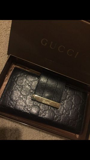 8d7edb3b7a9 New and Used Gucci wallet for Sale in Mountlake Terrace