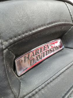 Harley Dyna seat 06 To 17 Models Thumbnail