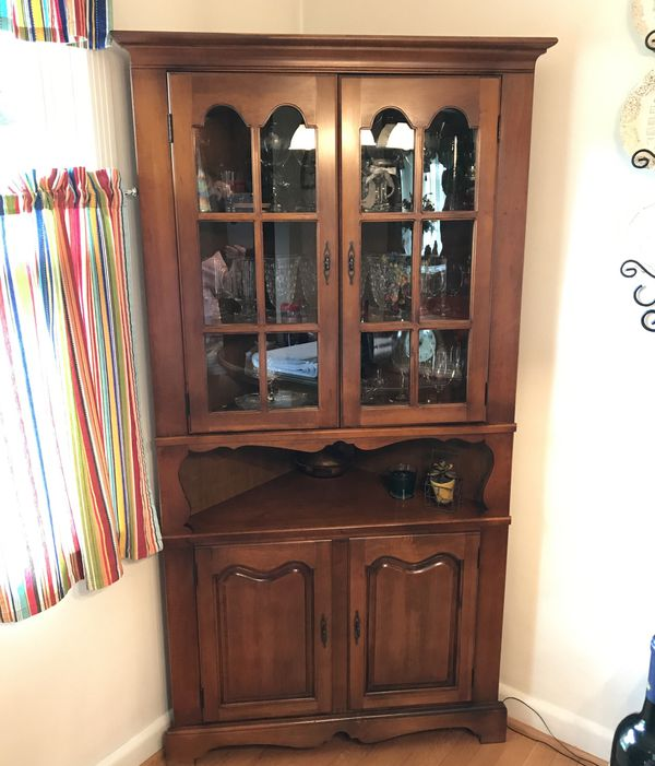 Dining Room Set And Corner Hutch