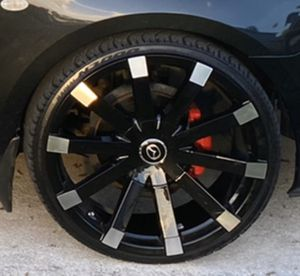 Photo Brand new 20' rims with brand new tires 225/30/20 for sale or trade