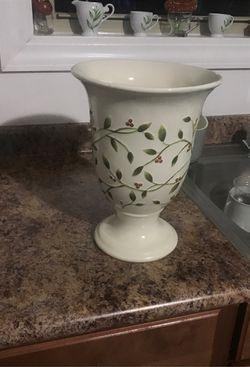 Nice decorative vase Thumbnail