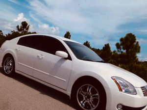 Photo 800$ Nissan Maxima 2004 white