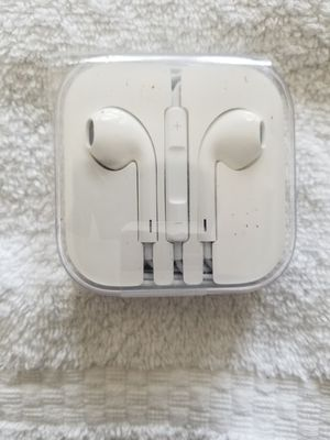 Apple Earpods Authentic for Sale in District Heights, MD