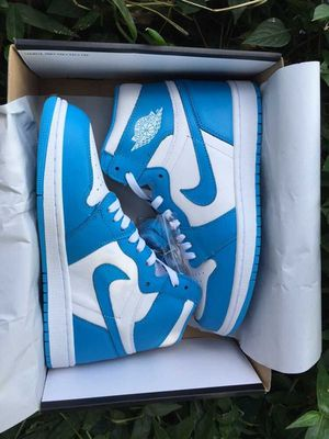"Air Jordan 1 Retro High OG""UNC"";size 5.5 to 11 for Sale in Boston, MA"