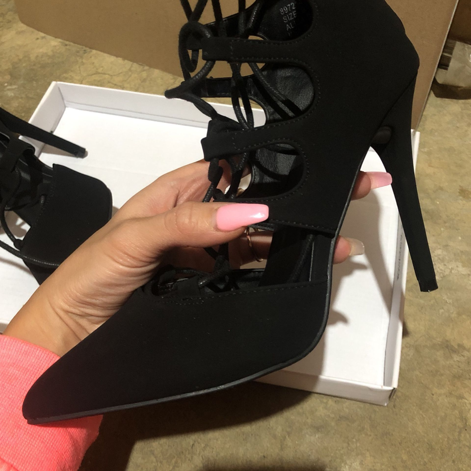 New Black Lace up Heels 6.5