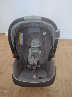 Graco Infant Car Seat With Base On Sale For In Jersey City NJ
