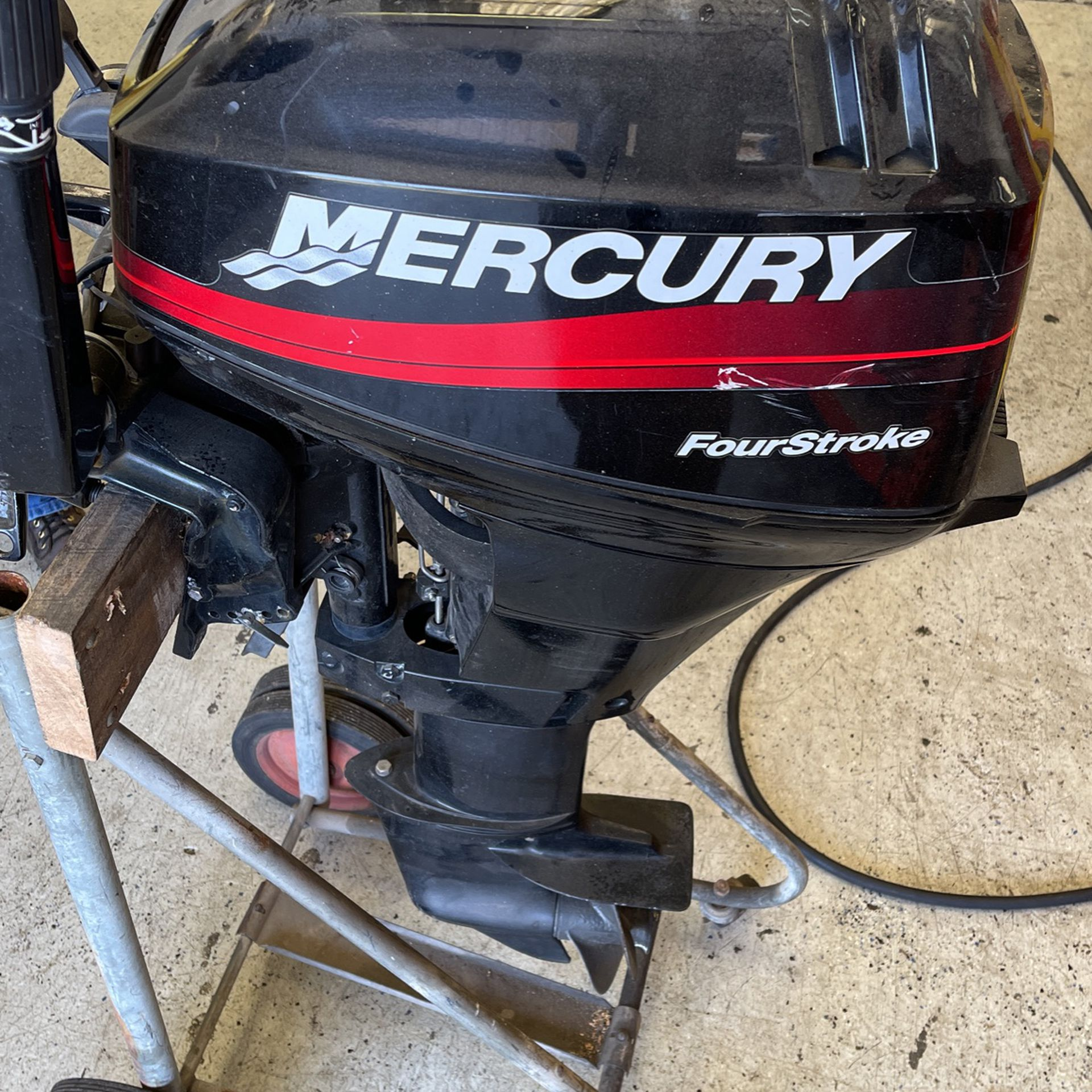 Photo 15 Hp FourStroke Outboard