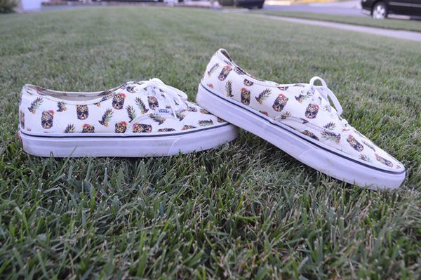 60dc257a760629 Vans authentic (drained and confused) white (Clothing   Shoes) in Lakewood