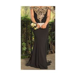 Prom Black and Gold dress Thumbnail