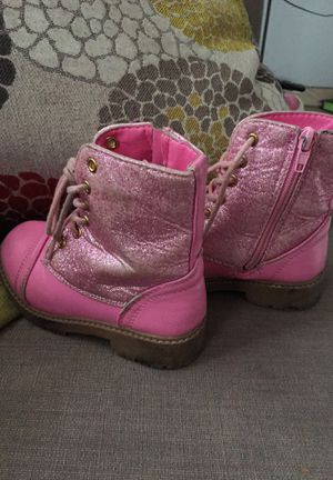 7165fd4f96b New and Used Pink boots for Sale in San Fernando, CA - OfferUp