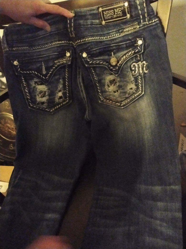 Rock Revival, Guess And Miss Me Jeans ..