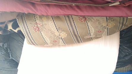 Colchas y cobijas varios tamaños y colores de buena calidad Thumbnail
