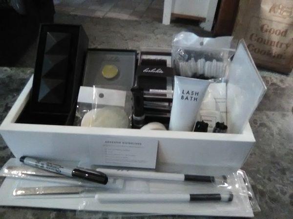 Borboleta Lash Extension Kit for Sale in Ogden, KS - OfferUp