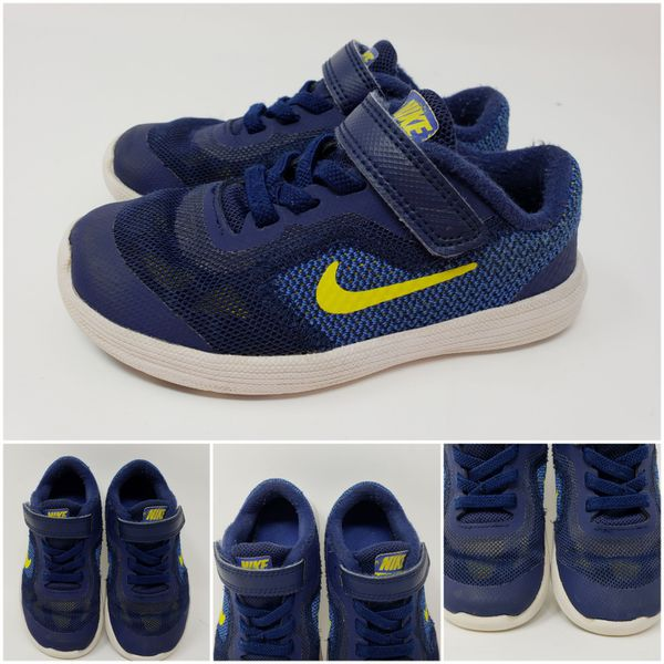0ea65359b71afe 2 Pairs Nike Little Boy Size 9c for Sale in Barnhart