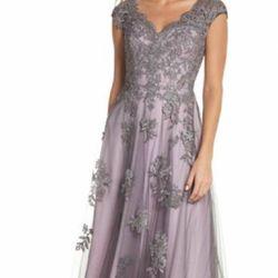 La femme Evening Dress Size 14 Thumbnail
