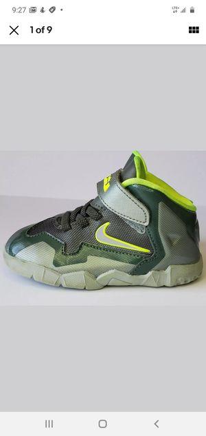 Photo Nike Toddler Lebron XI Green/Grey/Volt | 621714-302 | Kids Size: 6c