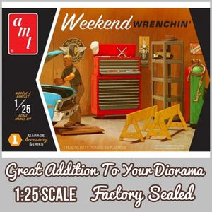 Photo AMT - WEEKEND WRENCHIN' 1:25 Scale Diorama Model Kit ( LAST ONE )