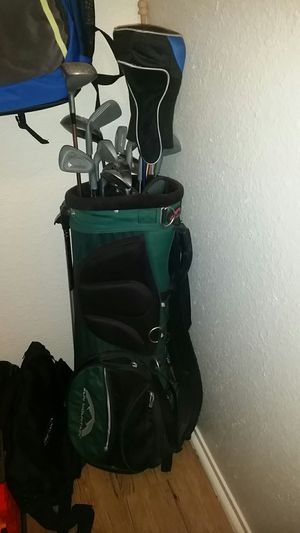 Mix bag golf clubs for Sale in Fresno, CA