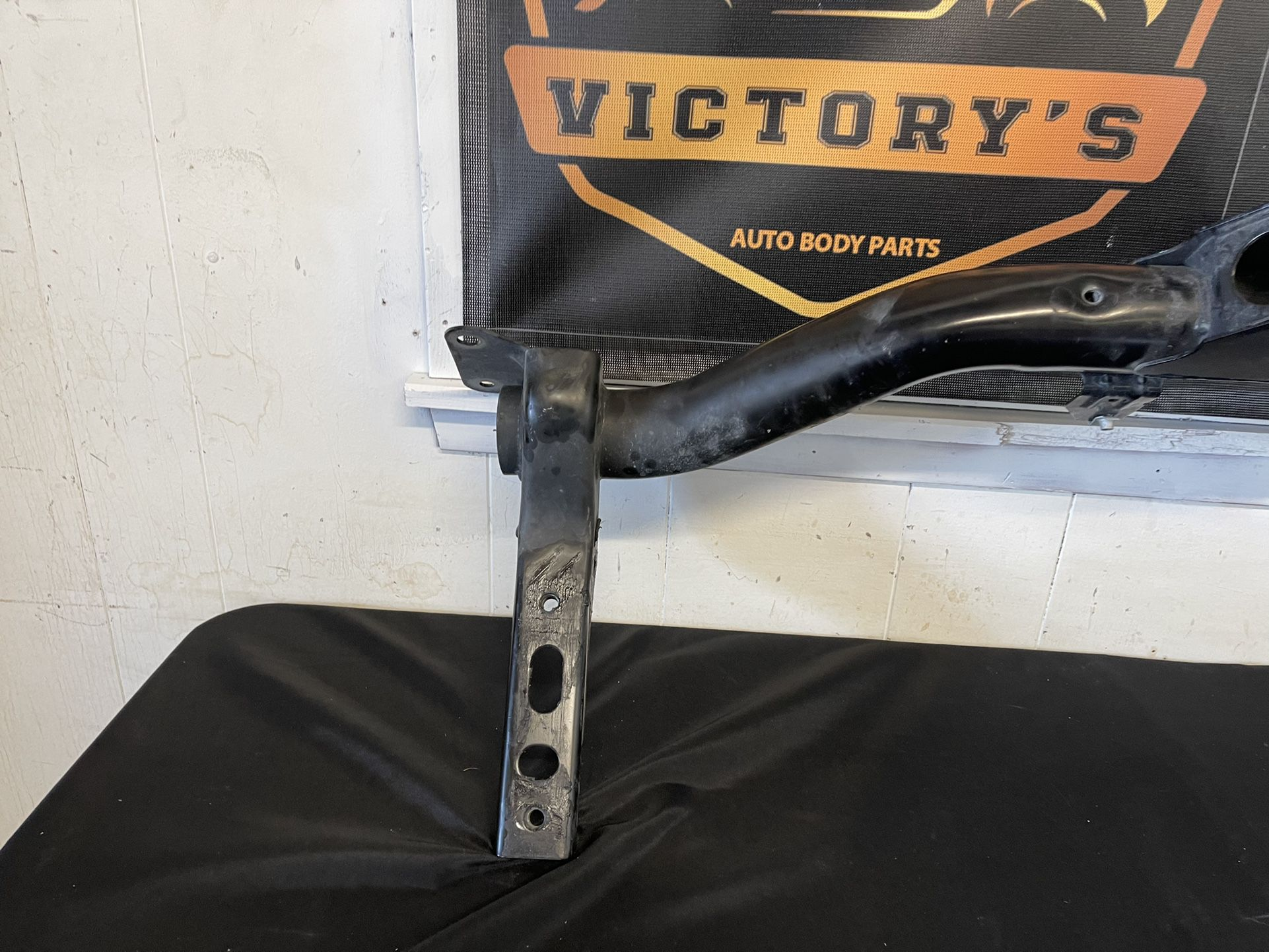 """Draw-Tite 2"""" Tube Rear Receiver Hitch for 19-20 Silverado - Sierra 1(contact info removed)6"""