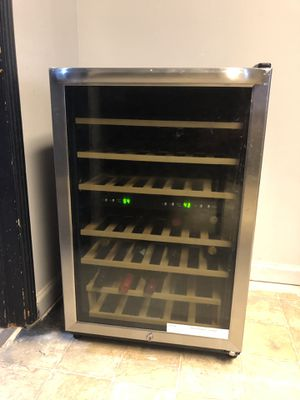 Wine refrigerator for Sale in Modesto, CA