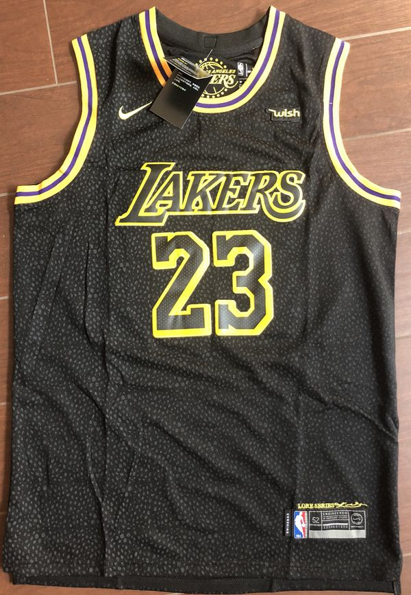 huge discount f37df a7296 Lebron James Lakers Jersey for Sale in Claremont, CA - OfferUp