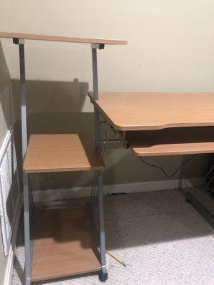 Computer desk for Sale in Leesburg, VA