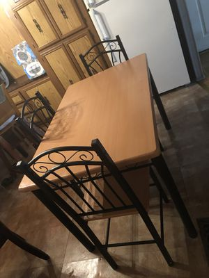 Dining set/table and 3 chairs for Sale in Manassas Park, VA