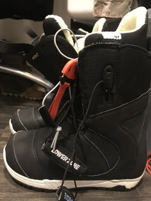 Burton 6.5 women's snowboarding boots for Sale in Denver, CO