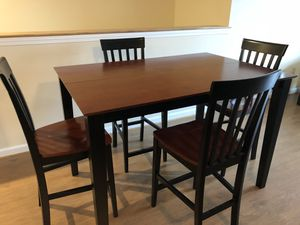 Bobs Discount Furniture 6 Piece Counter Set For Sale In Enfield CT