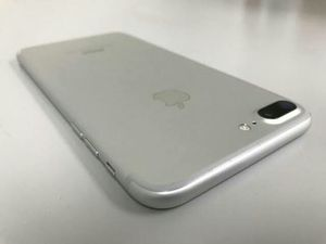 IPhone 7 Plus , 32 GB , UNLOCKED . Excellent Condition ( as like New) for Sale in Springfield, VA