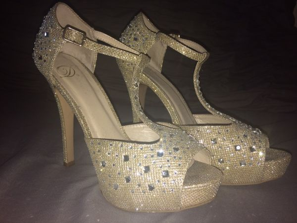 9a108957b798 Jeweled Gold Prom Shoes for Sale in Stockton
