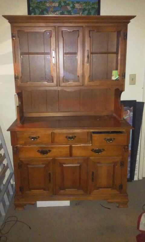 Tell City Young Republic China Cabinet Hard Rock Maple 8386 Andover Finish For In Long Beach Ca Offerup