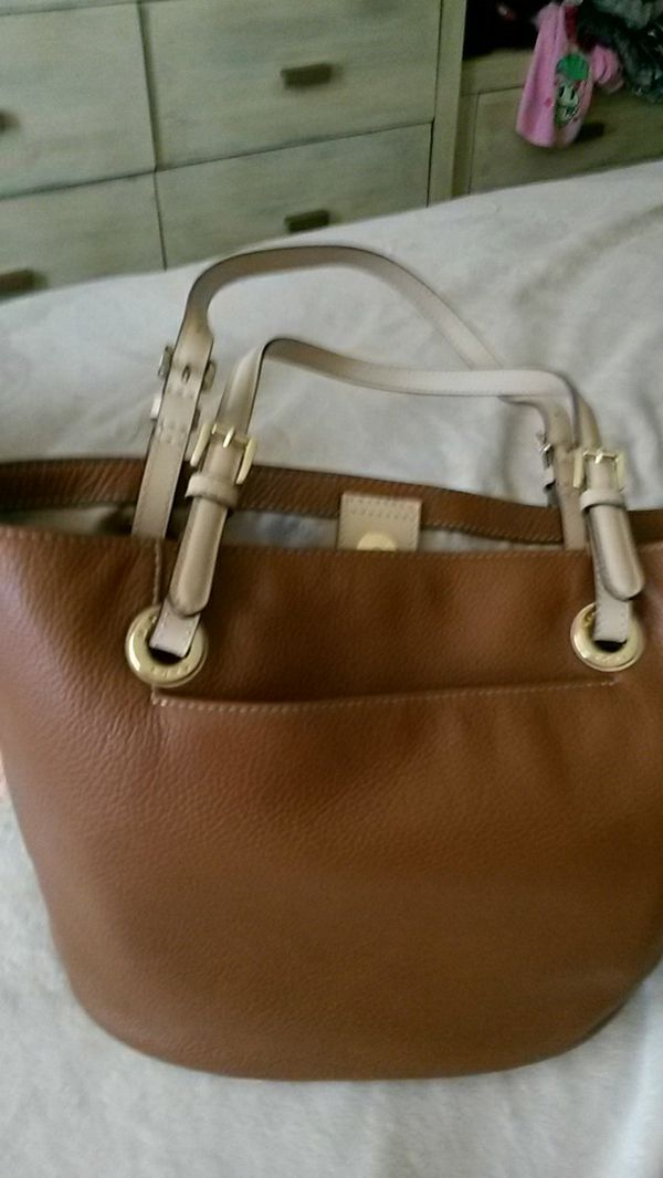 AUTHENTIC LIGHT BROWN MICHAEL KORS PURSE for Sale in Irvine 7d1f335675070