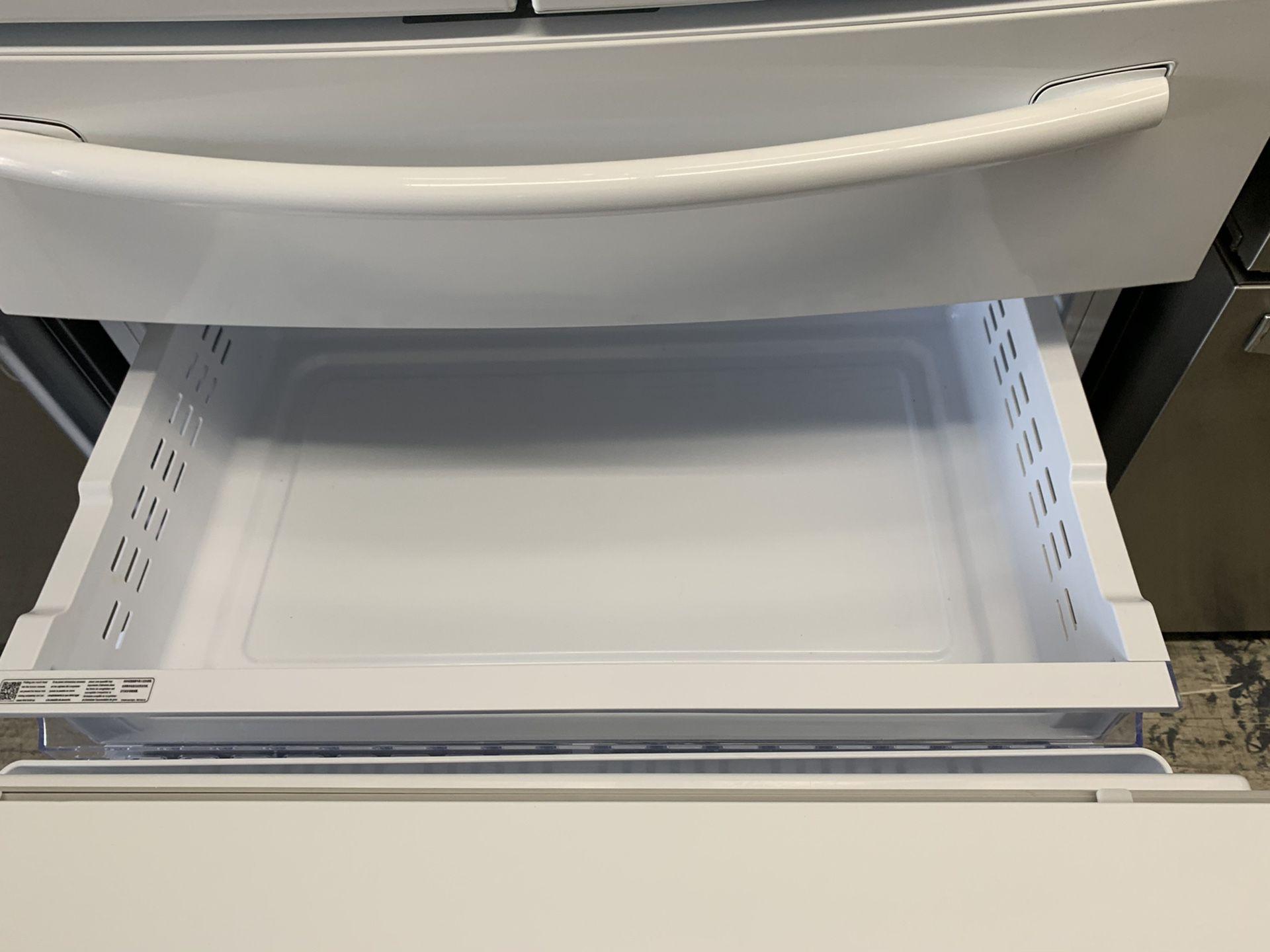 Samsung 4 door fridge in glossy white