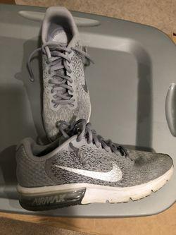 Boys Nike shoes size Y6 Thumbnail