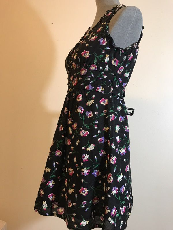 Beautiful black and floral F21 forever 21 S dress, NEW w/o tags!