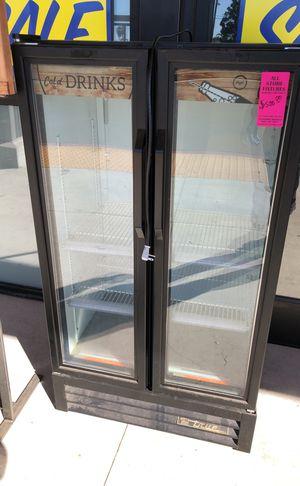 2 door drink cooler for Sale in Buena Park, CA