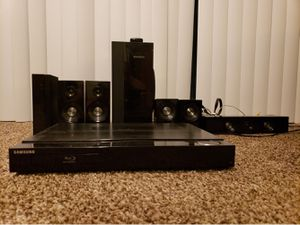 Samsung Blue ray Disc player with 5 speakers and subwoofer Home Theater System for Sale in Washington, DC