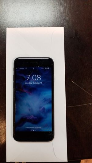 Apple IPhone 7 32GB Cracked Screen Discount for Sale in Alexandria, VA