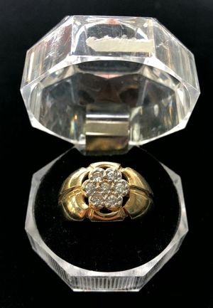 10 Karat Flower Ring with Diamonds for Sale in Kissimmee, FL