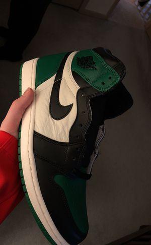 "Air Jordan 1 Retro High OG ""Pine Green"" for Sale in Macomb, MI"